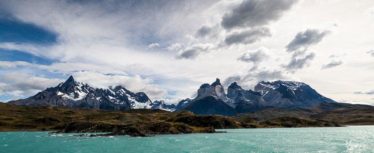 lago-pehoe-patagonia-w